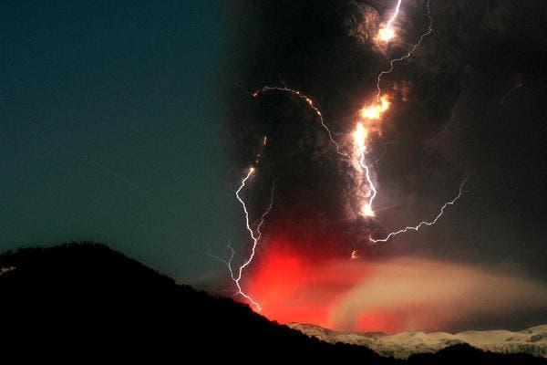 La erupción del volcán Puyehue, la última catástrofe natural de Chile