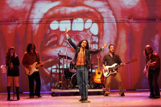 La banda de Tanguito tocando en La Cueva, cuna del rock nacional. Foto: Rodrigo Néspolo