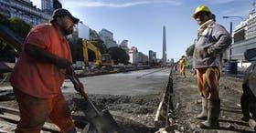 En los carriles centrales avanzan las obras de repavimentación; afirman que el sistema descomprimirá el tránsito en el microcentro