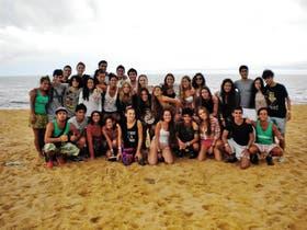 Alumnos de la Escuela Ort, el año pasado, durante su viaje de egresados, en Porto Seguro