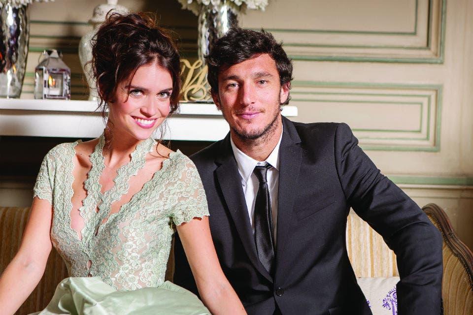 La hermana de la novia con su novio, el tenista Juan Pico Mónaco. Foto