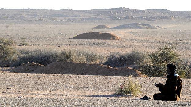 Las paredes defensivas construidas por Marruecos en el Sahara Occidental tienen una altura de entre dos y tres metros
