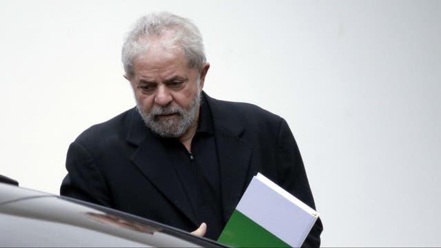 Lula participó hoy en Brasilia de un desayuno con senadores