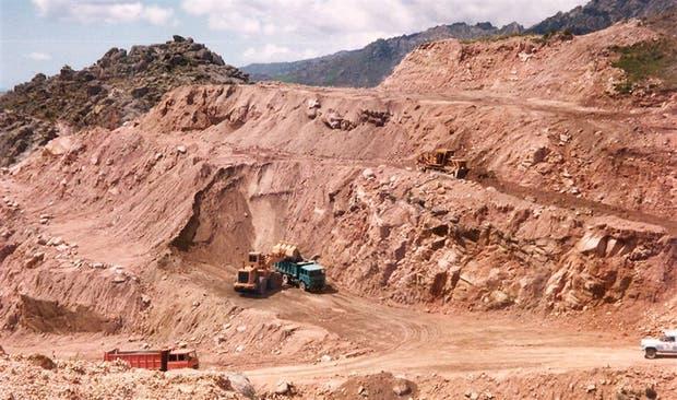 En 1990, la mina de uranio a cielo abierto dejó de operar