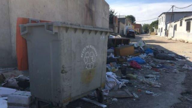 Algunas zonas no tienen servicio de recogida de basuras, por lo que se acumula la suciedad y los riesgos para la salud pública
