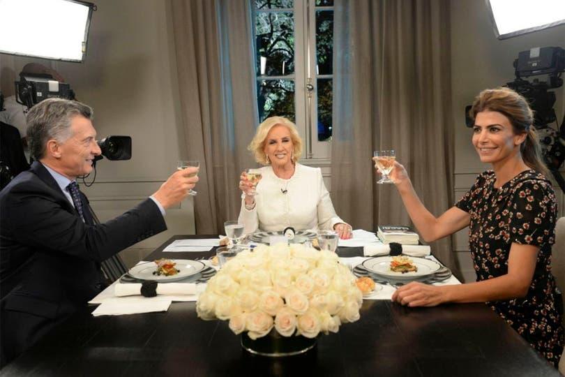 La diva recibió una invitación por parte del matrimonio presidencial para compartir una comida, esta vez sin cámaras