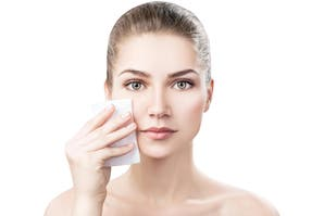 3 consejos de experto para mantener las pieles grasas bajo control