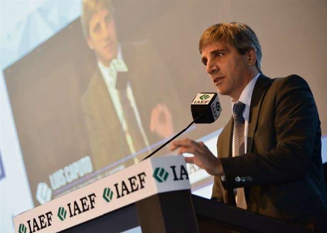 El ministro Caputo, al exponer ayer en la convención de finanzas en Bariloche