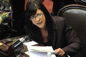 En plena sesión parlamentaria, Diana Conti le contestó con un exabrupto a Elisa Carrió