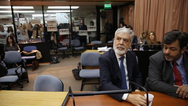 Julio De Vido afronta la segunda audiencia en el juicio por la tragedia de Once