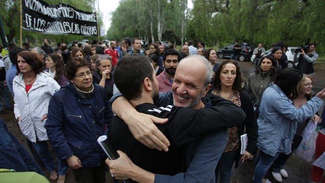 Manifestación en respaldo a Ricardo Villalba, ayer al mediodía, en Mendoza
