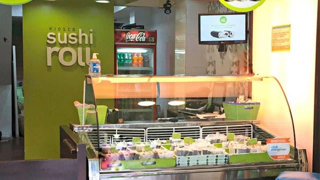 Un concepto innovador: rolls de sushi al paso, ideal para el oficinista apurado