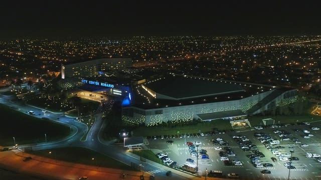 El hotel desde el drone de La Nación. Foto: LA NACION