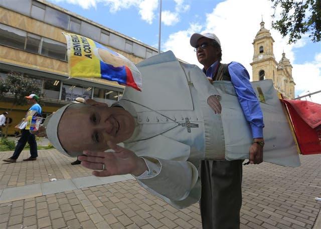 El centro de Bogotá se prepara para recibir hoy al papa Francisco