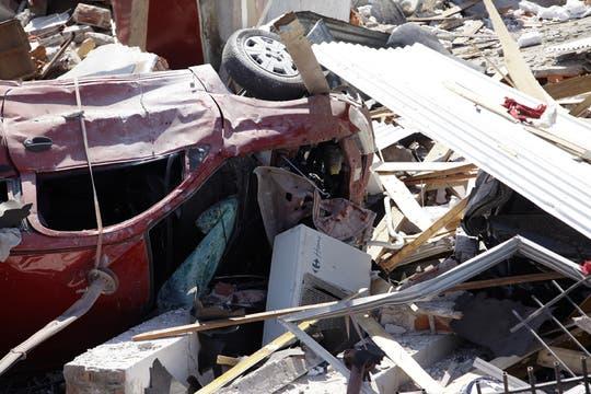 Los escombros llegaron a dos cuadras del lugar. Foto: LA NACION / Fernando Massobrio