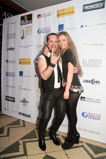 Actitud rockera. German Tripel y Flor Otero, en la entrega de premios Hugo. Foto: Gerardo Viercovich