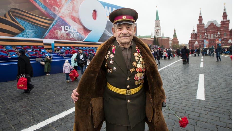 Putin desplegó todo el poderío de sus fuerzas armadas y celebró, como todos los 9 de mayo, el Día de la Victoria en la Plaza de Roja. Foto: AP / Alexander Zemlianichenko