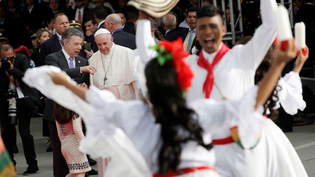 La llegada del Papa Francisco a Colombia donde pasará 5 días. Foto: AP / Andrew Medichini