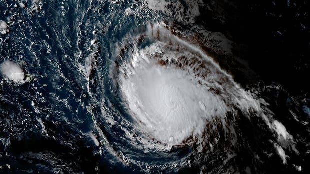 El huracán Irma alcanza su máxima potencia y amenaza al sur de Estados Unidos