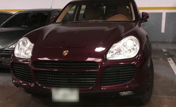 El Porsche Cayenne fue hallado en el interior de un estacionamiento de Palermo
