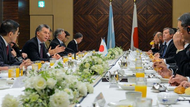 El presidente Mauricio Macri expuso en el Foro Económico Japón - Argentina que se realizó en el Hotel The Prince Park Tower Tokyo