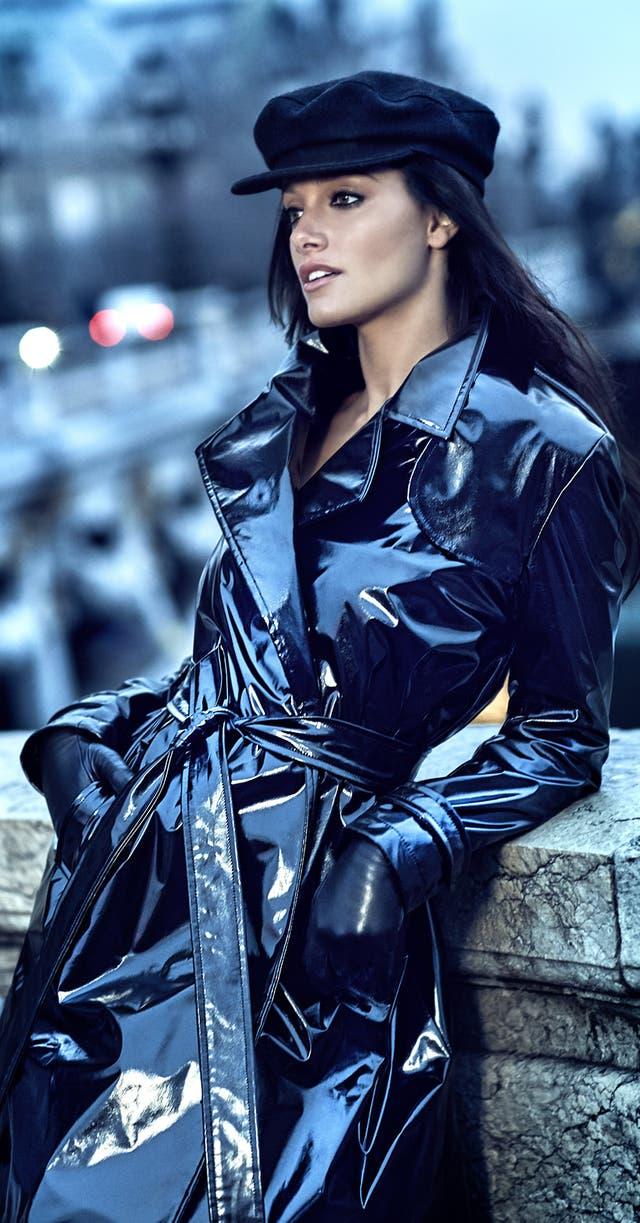 Oriana Sabatini es la cara de la campaña de invierno de Naima