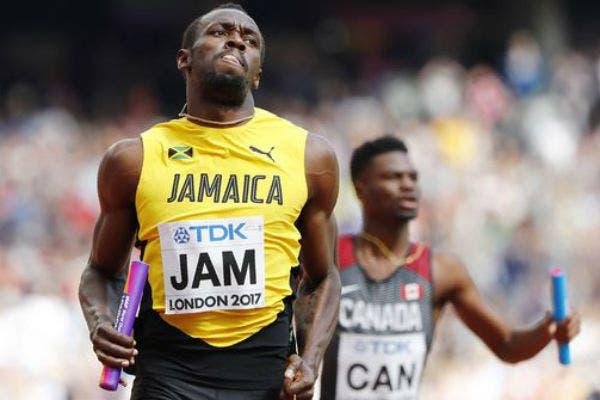 Bolt cerró la serie de clasificación y puso a Jamaica en la final de la posta
