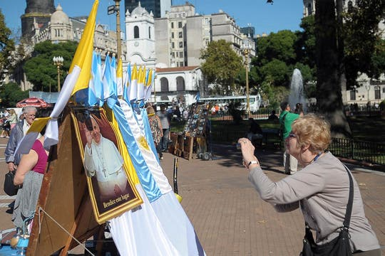 En Buenos Aires, el fervor por el Papa fue uno de los protagonistas del turismo de Semana Santa. Foto: Télam