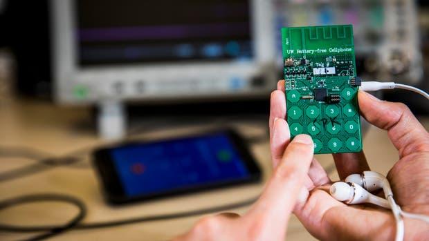 El prototipo del teléfono celular que no necesita batería para funcionar