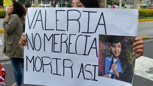 Suspenden ruta de combis tras asesinato de niña en Neza