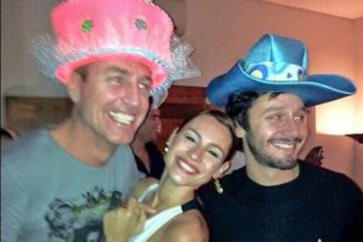 Pampita y Vicuña acompañaron a Marley. Foto: Twitter