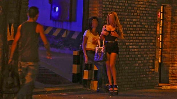 Multan a más de 1500 mendocinos por contratar prostitutas
