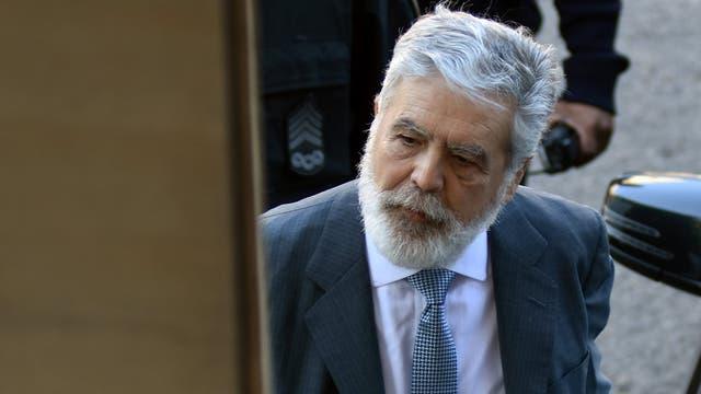 Julio De Vido está preso pero también alejado de Cristina Kirchner