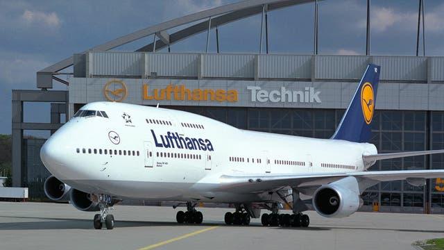 Paro en Alemania por los refugiados: pilotos cancelaron 222 vuelos que llevaban inmigrantes a sus países