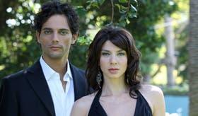 Joaquín Furriel (Juan) y Romina Gaetani (Josefina)