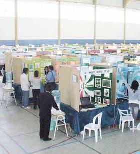 Este año, en la Feria Nacional de Ciencia y Tecnología Juvenil se expusieron los mejores de los 8006 proyectos que compitieron en el país