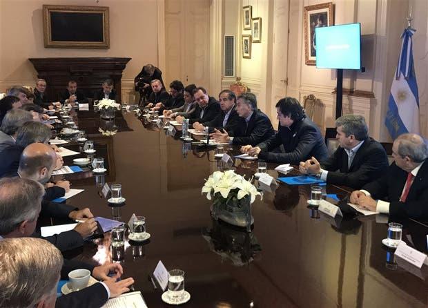 Macri encabezó la reunión de gabinete, junto a los ministros salientes