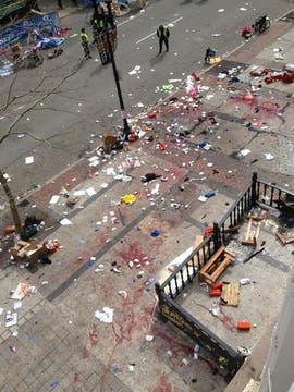 Las explosiones se produjeron en la línea de llegada. Foto: @thedailybeast