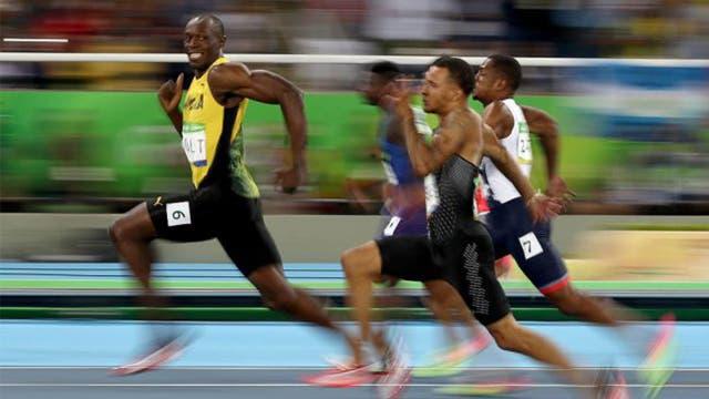Bolt disfrutando las semifinales de 100 metros en los Juegos de Río de Janeiro