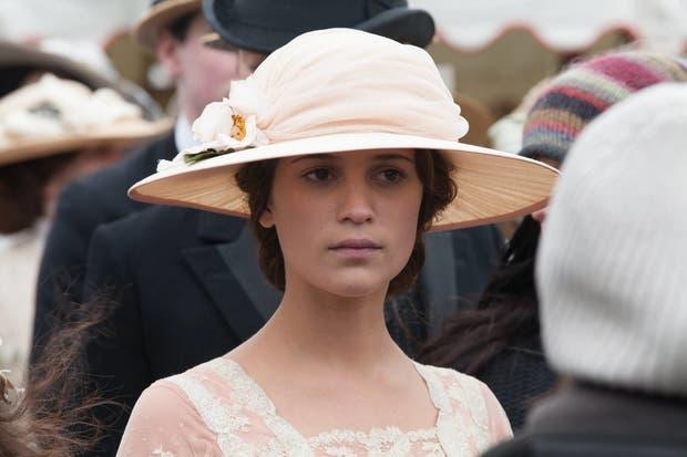 Alicia Vikander será Agatha Christie