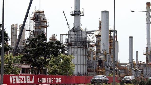 Casi la mitad de los ingresos petroleros de Venezuela provienen de las ventas a Estados Unidos