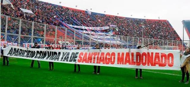 El pasacalle que utilizó el plantel de San Lorenzo, para pedir por Santiago Maldonado