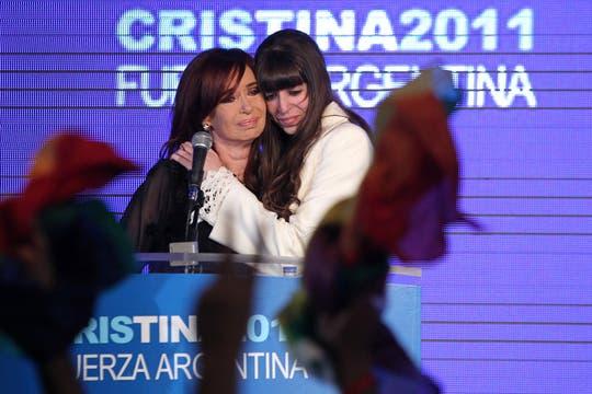 En el búnker oficialista festejaron que la Presidenta logró un primer lugar holgado. Foto: LA NACION / Fabián Marelli