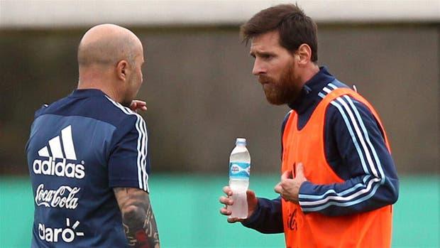 Messi y Sampaoli, en la previa del duelo ante Venezuela
