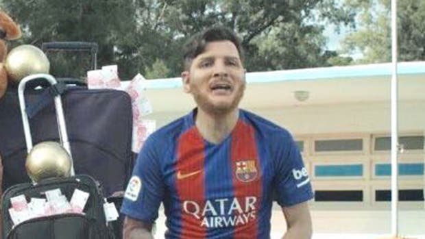 Messi y Suárez le lloran a Neymar — Parodia