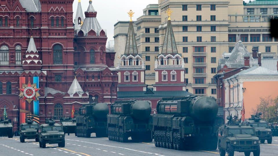 Putin desplegó todo el poderío de sus fuerzas armadas y celebró, como todos los 9 de mayo, el Día de la Victoria en la Plaza de Roja. Foto: AP / Ivan Sekretarev