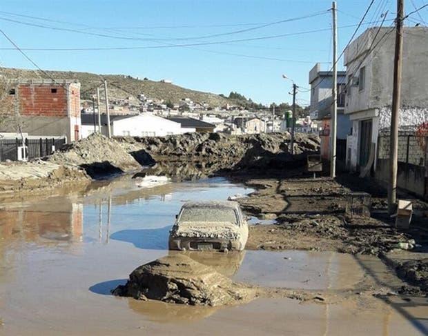Los vecinos de Comodoro Rivadavia no logran salir de la catástrofe