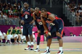 LeBron James, Kobe Bryant y Chris Paul, estrellas de un equipo que hoy se enfrentará con la Argentina