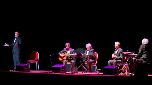 Les Luthiers en abril de 2016, durante su presentación en el Palacio de los Deportes madrileño
