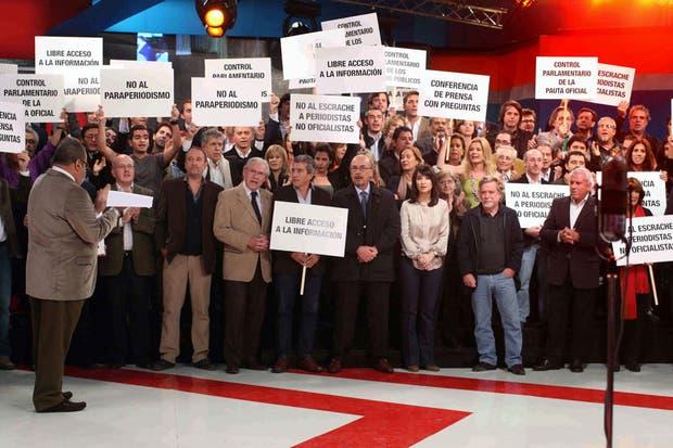 Los periodistas, junto con Jorge Lanata, en Periodismo para Todos